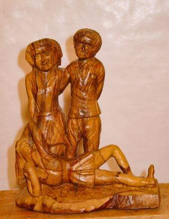 Tres figuras. Olivo. 13x23x30cm. 1988
